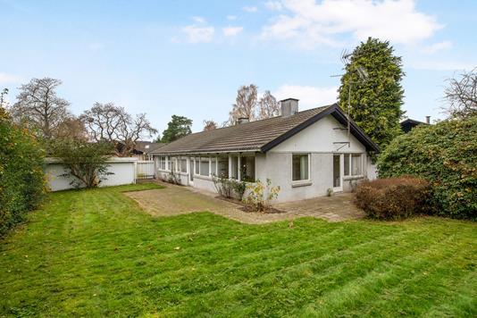 Villa på Vejdammen i Holte - Ejendommen