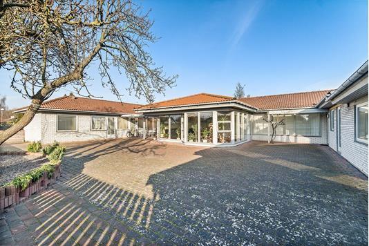 Villa på Pilegårds Vænge i Ishøj - Ejendommen
