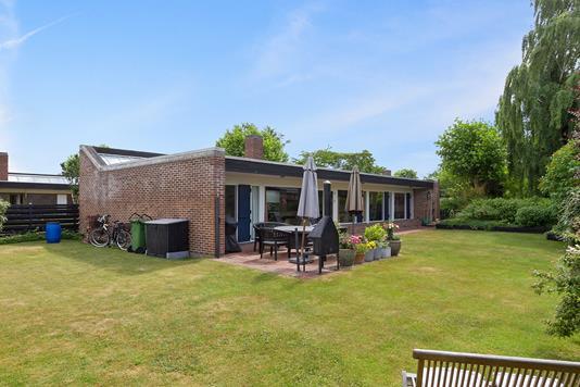 Villa på Bredekærs Vænge i Ishøj - Set fra haven