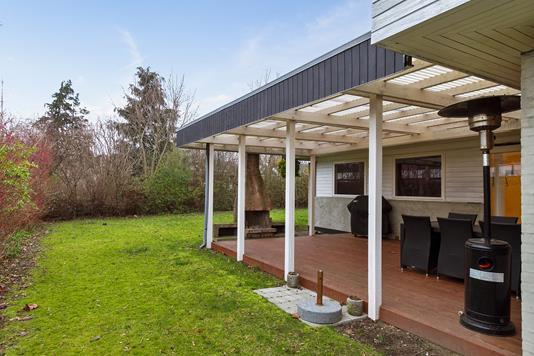 Villa på Bredekærs Vænge i Ishøj - Overdækket terrasse