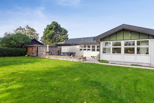 Villa på Vibeholms Vænge i Ishøj - Set fra haven