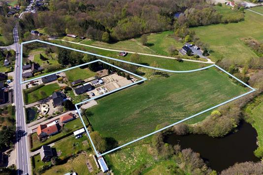 Landejendom på Bogensevej i Brenderup Fyn - Luftfoto