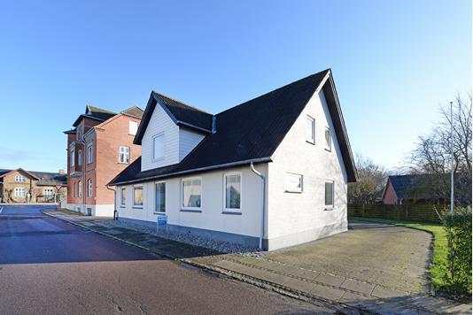 Villa på Bredgade i Ejby - Ejendommen