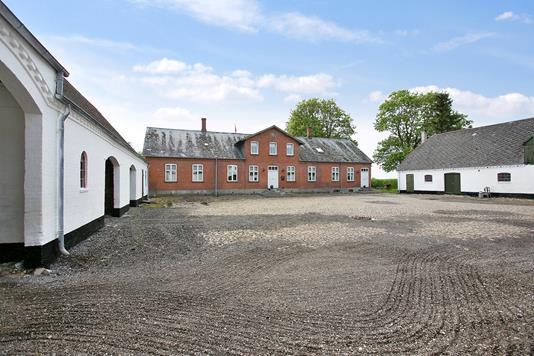 Landejendom på Voldbyvej i Middelfart - Gårdsplads