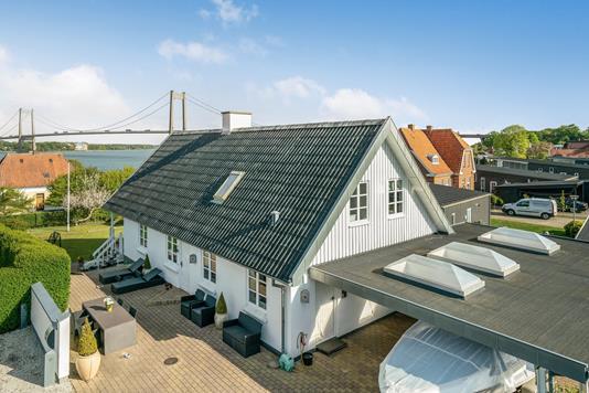 Villa på Strandvejen i Middelfart - Ejendommen