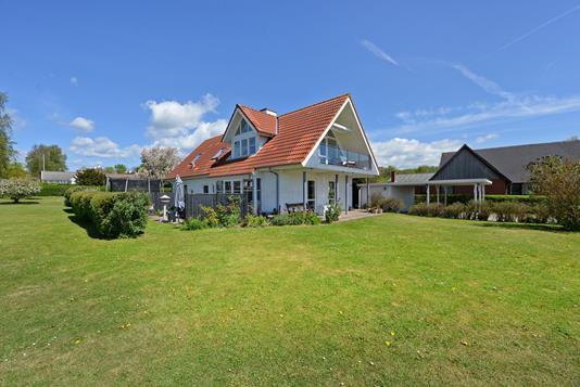 Villa på Præsteengen i Nørre Aaby - Ejendommen