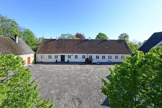 Landejendom på Kildegårdsvej i Nørre Aaby - Mastefoto