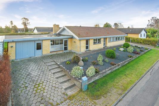 Villa på Erantisvænget i Ullerslev - Ejendommen