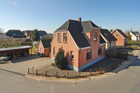Villa på Bakkevej i Langeskov - Ejendommen
