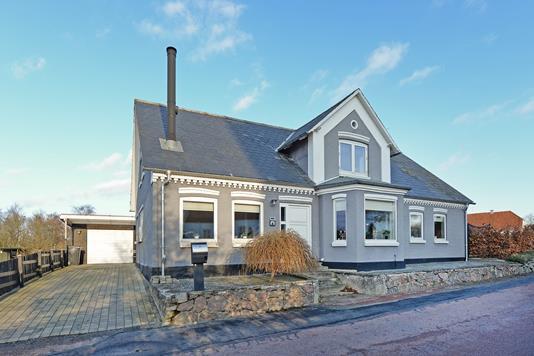 Villa på Kirkestræde i Broby - Ejendommen