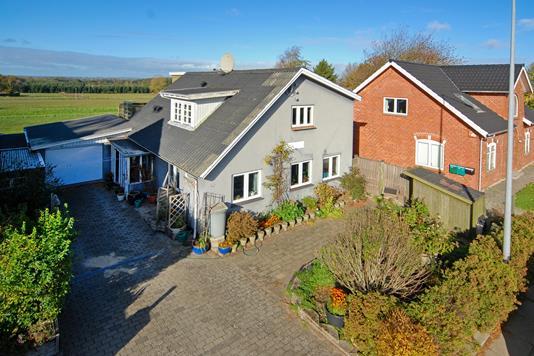 Villa på Albanivej i Årslev - Ejendommen