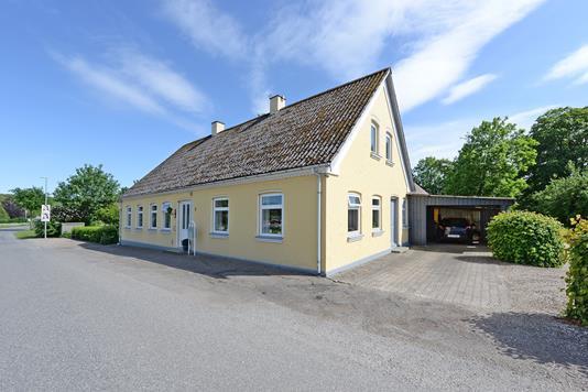 Villa på Sinaivej i Broby - Ejendommen