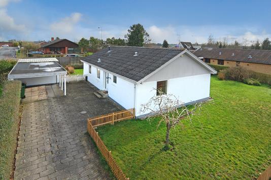Villa på Stensvang i Årslev - Mastefoto