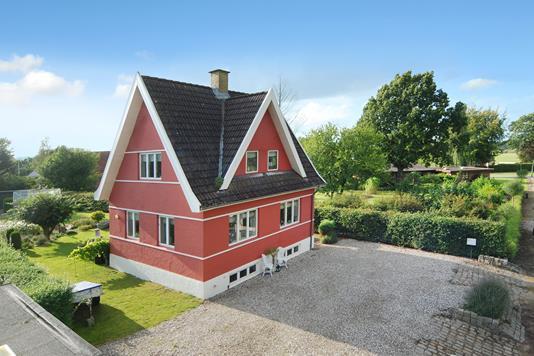 Villa på Verningevej i Broby - Ejendommen
