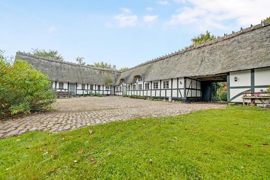 Villa på Vøjstrupvej i Broby - Ejendommen