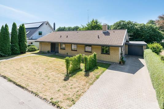 Villa på Aulkærvænget i Odense S - Ejendommen
