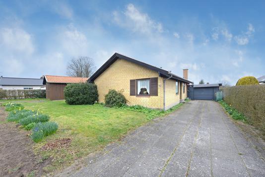 Villa på Kløvervej i Årslev - Ejendommen