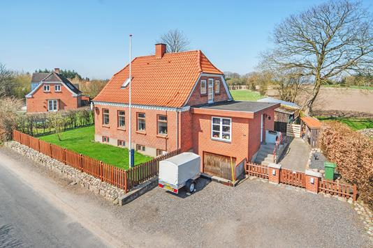 Villa på Søbyvej i Broby - Mastefoto