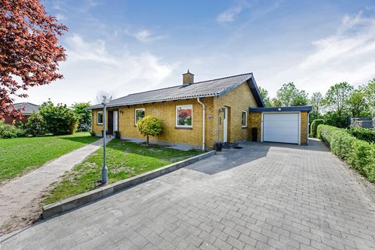 Villa på Røjlevej i Årslev - Ejendommen
