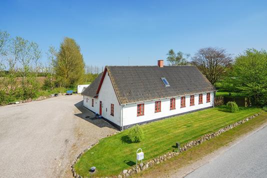 Villa på Strandbyvej i Haarby - Mastefoto