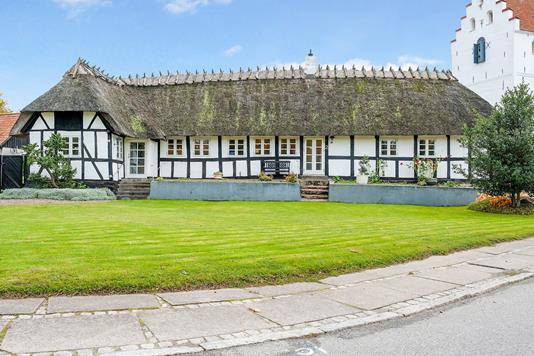 Villa på Ølstedvej i Broby - Ejendommen