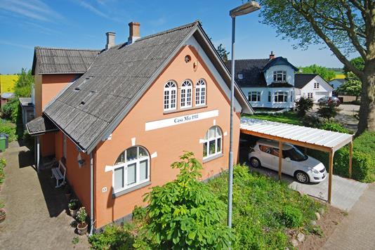 Villa på Banevænget i Broby - Mastefoto