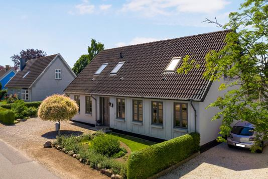Villa på Kirkevej i Broby - Ejendom 1