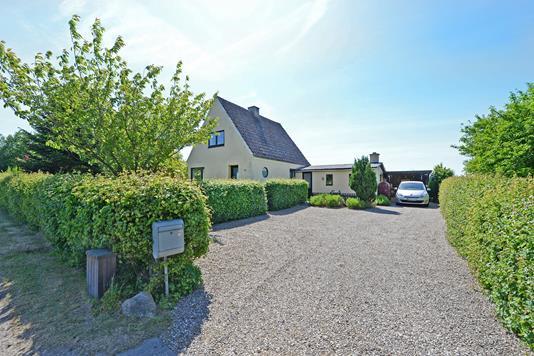 Villa på Landevejen i Haarby - Ejendommen