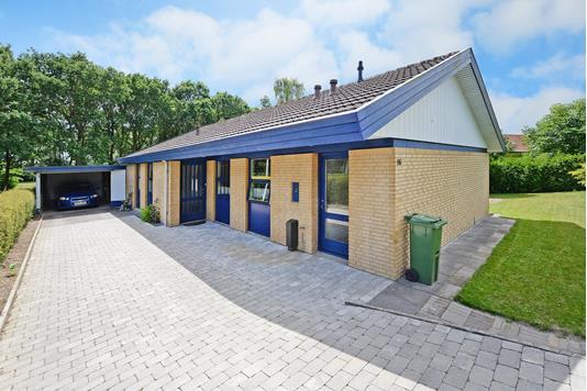 Villa på Søbjergvænget i Broby - Ejendommen