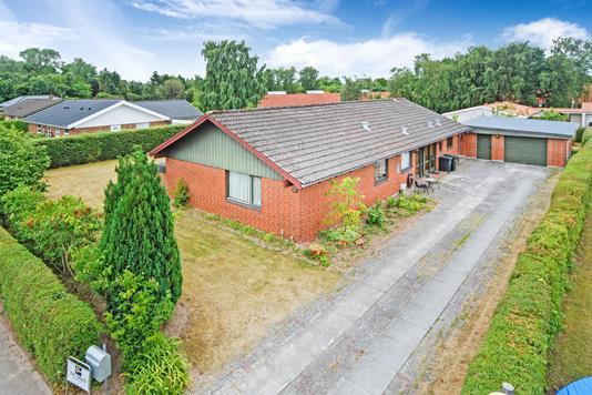 Villa på Bøgevej i Haarby - Mastefoto