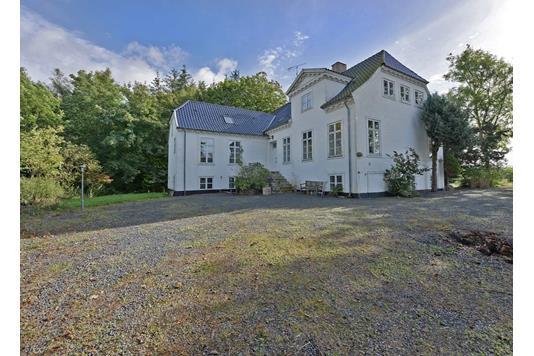 Villa på Råstruphave i Gislev - Ejendommen