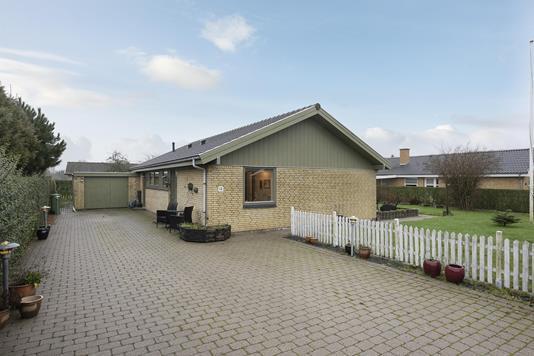 Villa på Enighedsvej i Broby - Ejendommen