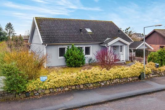 Villa på Dalstrøget i Tølløse - Ejendommen