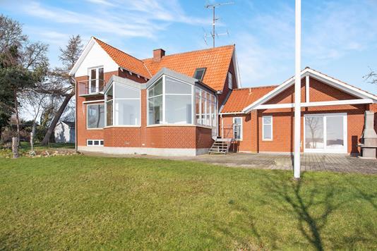 Villa på Strandvejen i Holbæk - Ejendommen