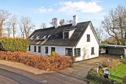 Villa på Ved Kirken i Nykøbing Sj - Ejendom 1