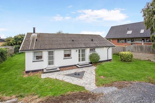 Villa på Oddenvej i Sjællands Odde - Ejendom 1