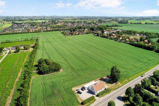Villa på Landevejen i Gislinge - Luftfoto