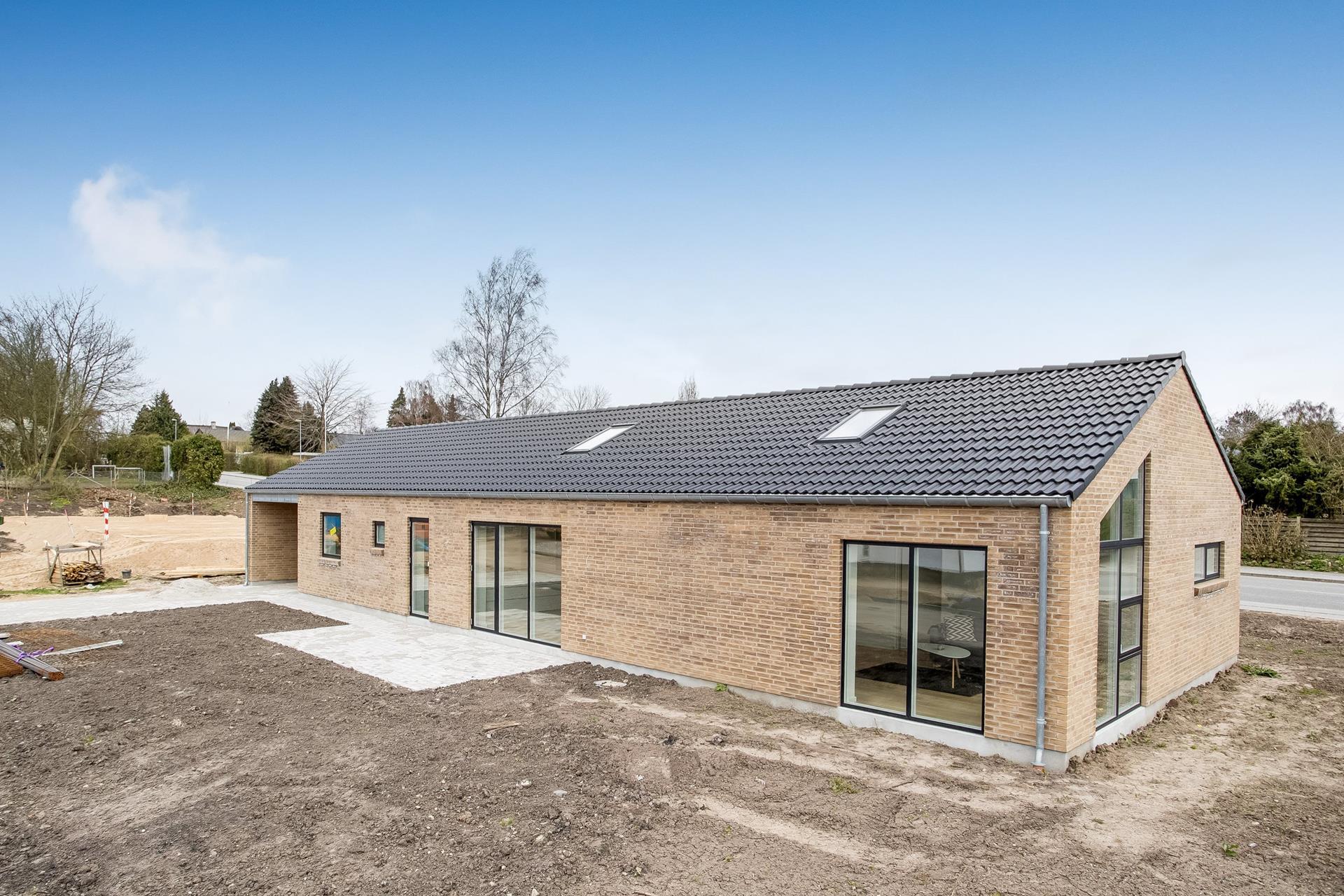 Villa på Ellehøjen i Lystrup - Ejendommen