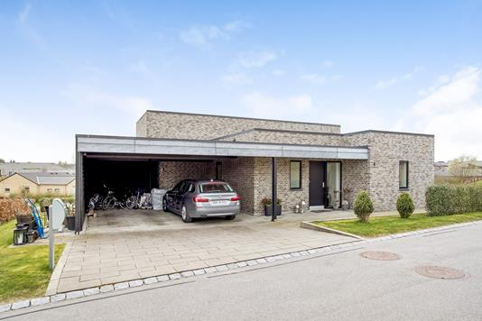 Villa på Hybenhaven i Lystrup - Ejendommen