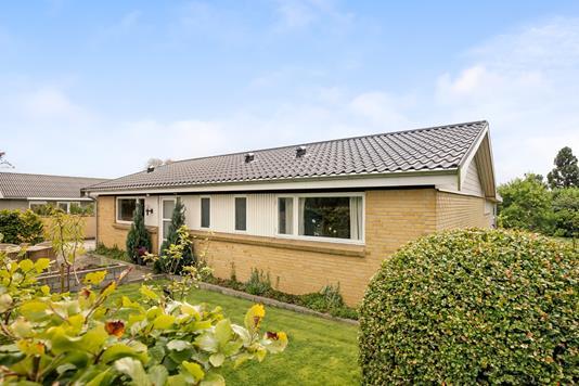 Villa på Ørnebakken i Lystrup - Ejendommen
