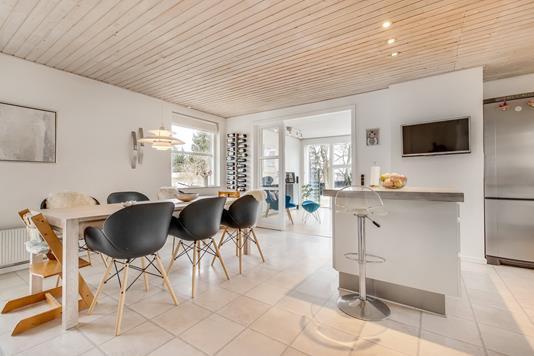 Villa på Lille Elstedvej i Lystrup - Køkken alrum