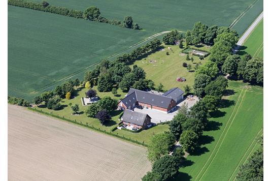 Villa på Ogstrupgårdsvej i Hjortshøj - Ejendommen