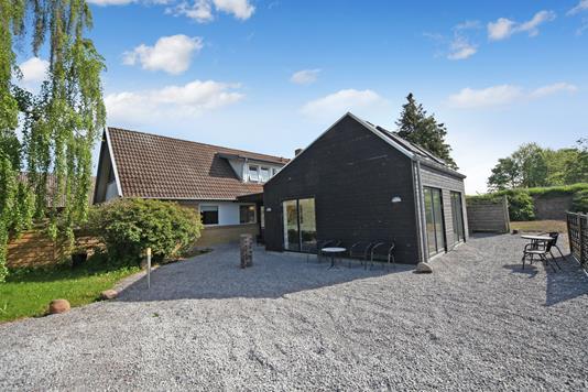 Villa på Asmusvænget i Hjortshøj - Ejendommen