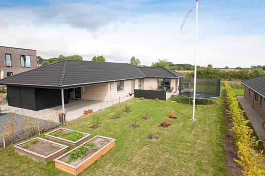 Villa på Lauritshøj i Skødstrup - Ejendommen