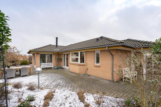 Villa på Ametystvej i Skødstrup - Ejendommen