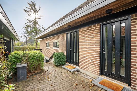 Villa på Hasselhaven i Lystrup - Ejendommen