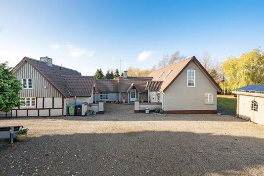 Villa på Egå Møllevej i Egå - Ejendommen