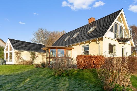 Villa på Tjørnebakken i Skødstrup - Ejendommen