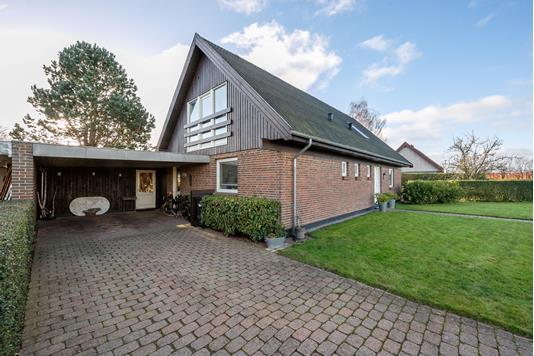 Villa på Birkehaven i Lystrup - Ejendommen