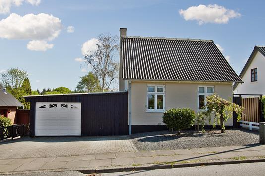 Villa på Skovgaardsvej i Vejle - Set fra vejen